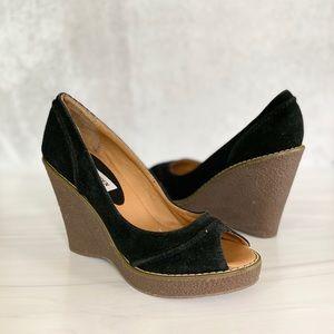 STEVE MADDEN Black Leather Peep Toe Wedges